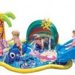 sixflags splashpool 150x150 Kids Swimming Pools With Slides   Small Kids Pools Youll Love